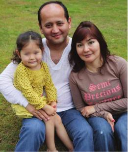 Mukhtar Ablyazov with his wife Alma and daughter Alua, source: ODF